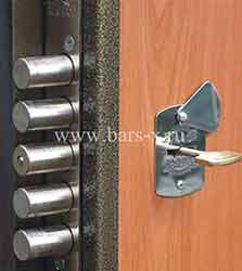 отремонтировать железную дверь