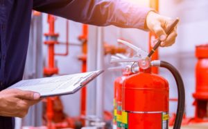 Какая стоимость обучения по пожарной безопасности в учебно-производственном центре?